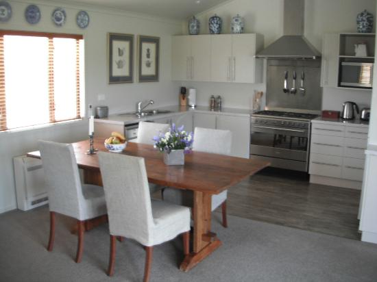 Maison Grange: The Winemaker's Cottage comes with a fully equiped kitchen.