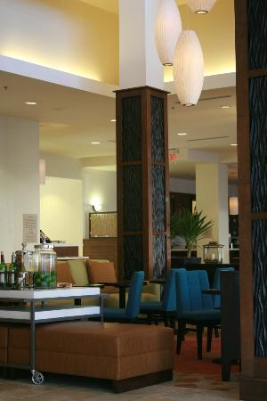 Hilton Garden Inn New Orleans Convention Center: Lobby