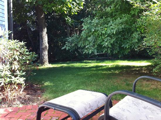 Whalewalk Inn & Spa: View from patio of Carriage House Room 4