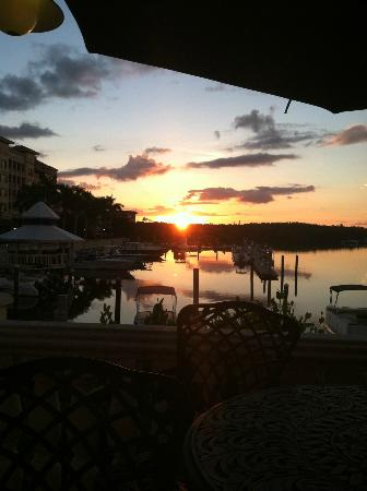 Bayfront Inn 5th Ave: Sunrise from the deck