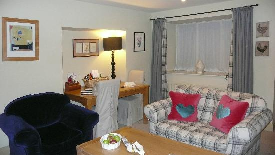 The Pheasant Hotel: cosy lounge of Peartree