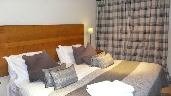 The Pheasant Hotel: bedroom of Peartree