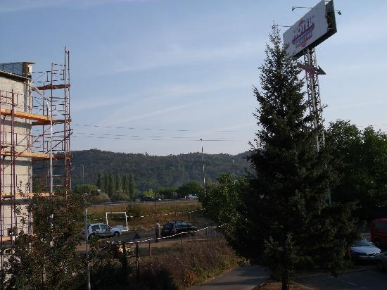 Torokbalint, Венгрия: you can see highway and construction site