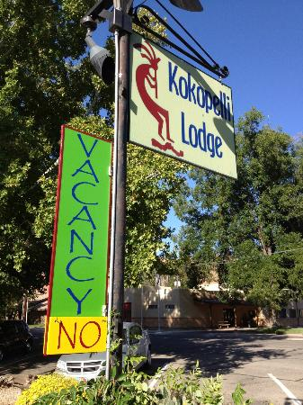Kokopelli Lodge & Suites: The sign