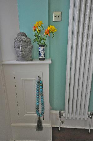 Brighton and Hove, UK: Hallway, peace, calm and cut flowers