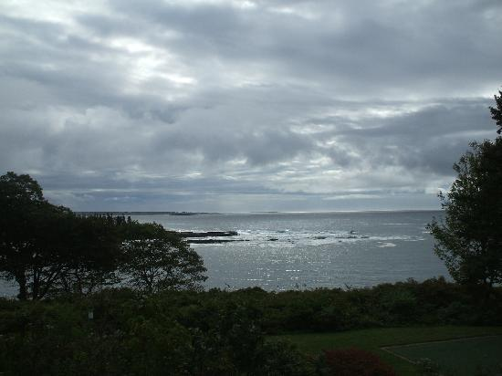 The Mooring Bed and Breakfast: Cloudy days are special at the Ocean
