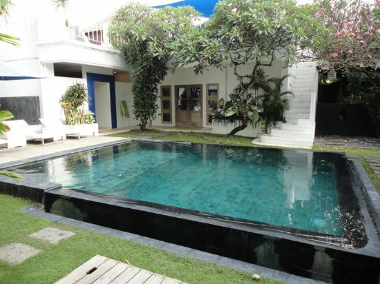 The Island Hotel: Pool