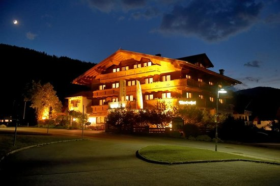 Photo of Hotel Tirolerhof Flachau