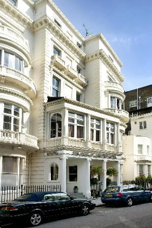 Duke of Leinster Hotel: getlstd_property_photo