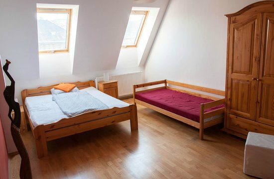 Bell Hostel & Guesthouse: Double/Twin/Triple room