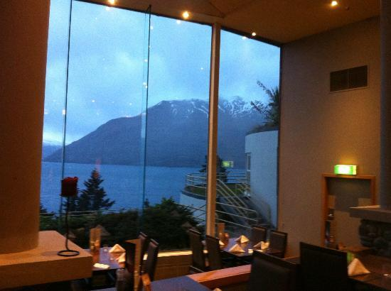 Mercure Resort Queenstown: View from the dining area