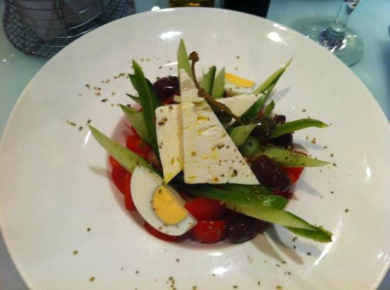 Sun Rocks Hotel: Greek salad