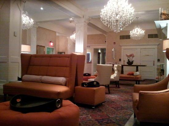Wayne Hotel: Hotel Lobby