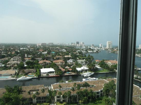 Hyatt Regency Pier Sixty-Six: the view during the day!