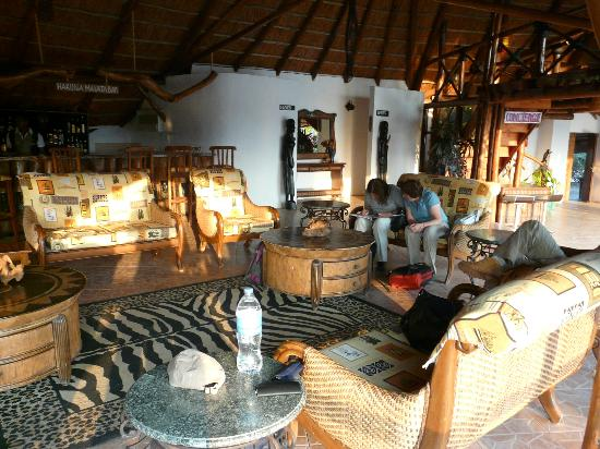 Manyara Wildlife Safari Camp: Main Lodge Lounge