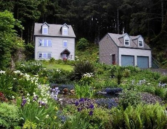 Photo of Ambrosia Gardens Bed & Breakfast Yachats