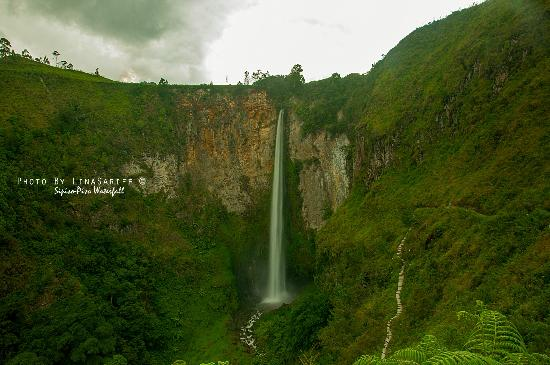 North Sumatra, Indonesi: Sipiso Waterfalls
