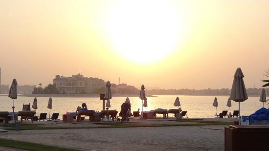 Rixos The Palm Dubai: sunset at 6