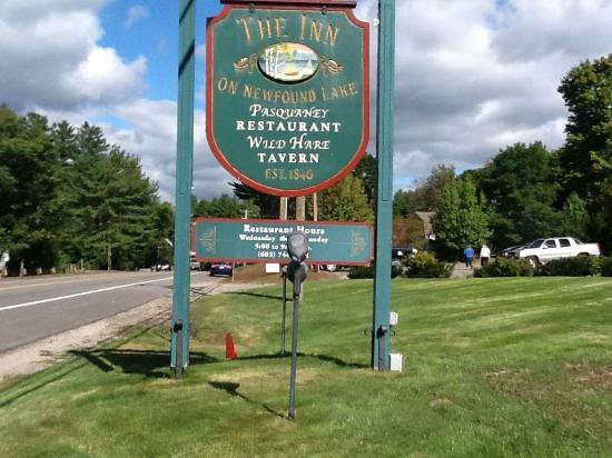 Inn on Newfound Lake: The sign in front of the Inn