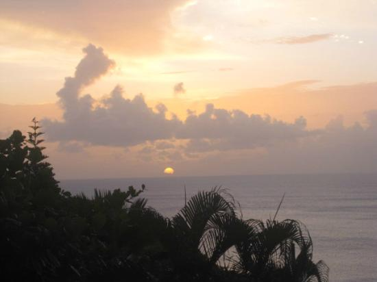 Windjammer Landing Villa Beach Resort: sunset from the hotel room