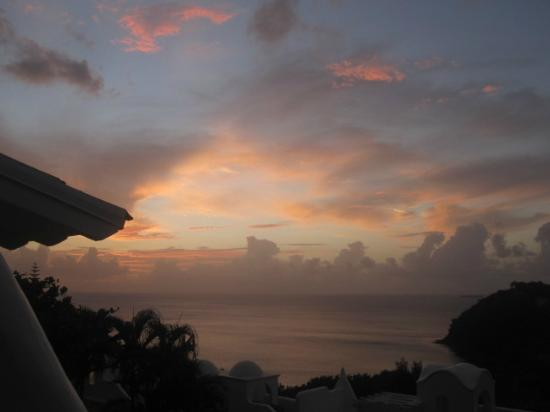 Windjammer Landing Villa Beach Resort: sunset