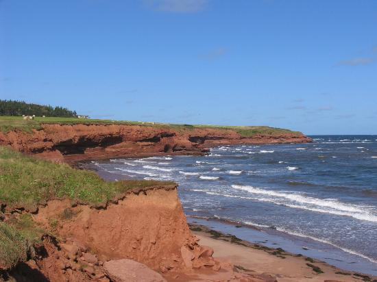 French River, Καναδάς: Cliffs at shore