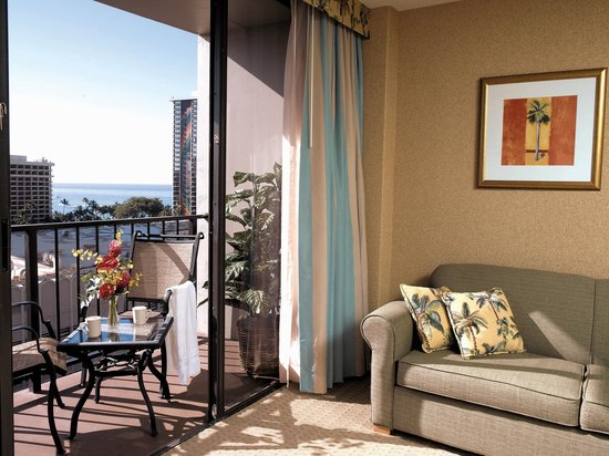 Aqua Palms Waikiki: Partial Ocean View Room