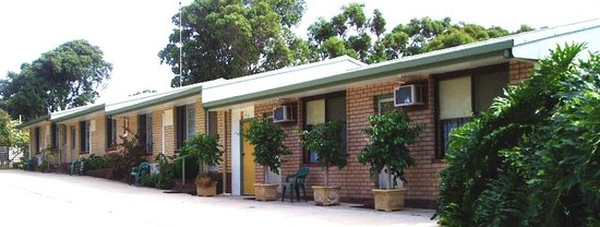 Clovelly Holiday Units