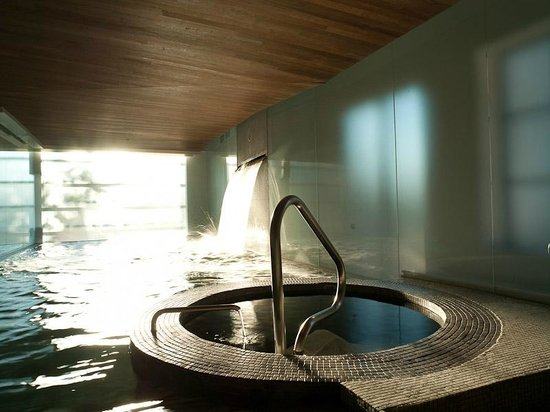 Bain Hydrojet Hydtojet Baths Picture Of Scandinave Spa