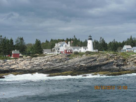 Brown&#39;s Wharf Inn: one of the many lighthouses - as seen from the harbor boat ride (which i recommend highly)