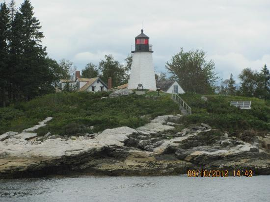 Brown&#39;s Wharf Inn: one of the many lighthouses - as seen from our harbor boat ride