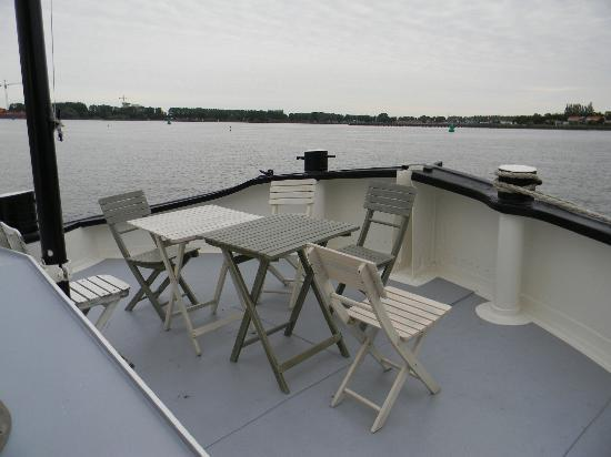 Boat &amp; Breakfast de Dageraad: Our deck on the ship