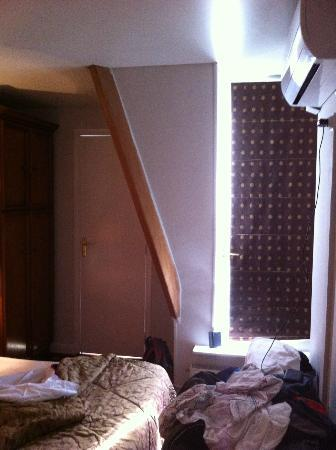 Hotel Paris Rivoli : Attic room