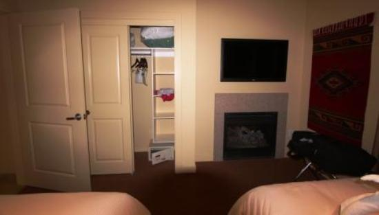 Homewood Suites Jackson Hole: The bedroom closet, fireplace, and TV