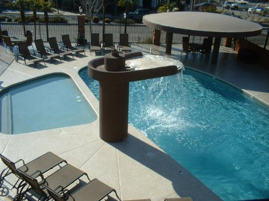 BEST WESTERN Coral Hills: Outdoor Pool