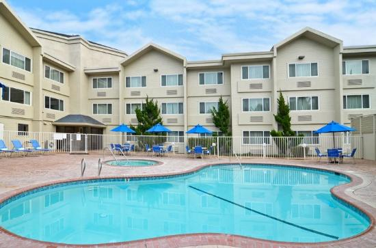 BEST WESTERN PLUS Inn & Suites at Discovery Kingdom: All Year Heated Pool and Hot Tub