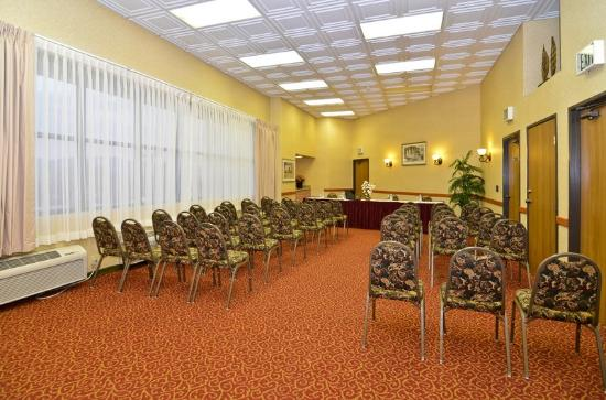 BEST WESTERN PLUS Inn & Suites at Discovery Kingdom: Our Meeting Room Seats Up To 60 People