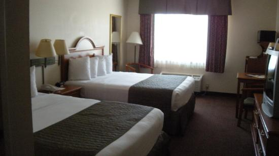 BEST WESTERN J. C. Inn: Double Queen Rooms