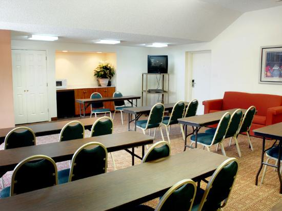 La Quinta Inn Houston Medical / Reliant Center: Meeting Room