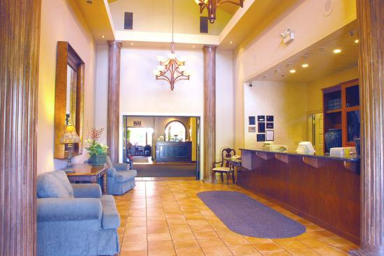 BEST WESTERN PLUS Seacliff Inn: Lobby