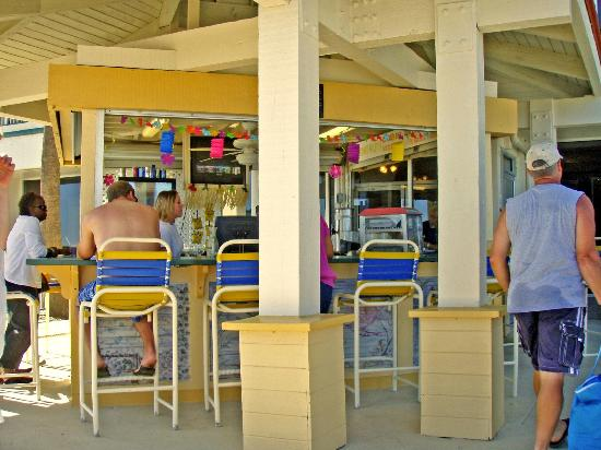Westgate Myrtle Beach Oceanfront Resort: Coconut Willy's Bar