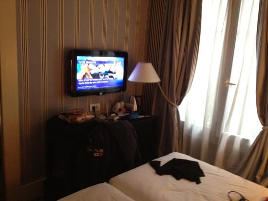 Mercure Paris Champs Elysees: chambre 204