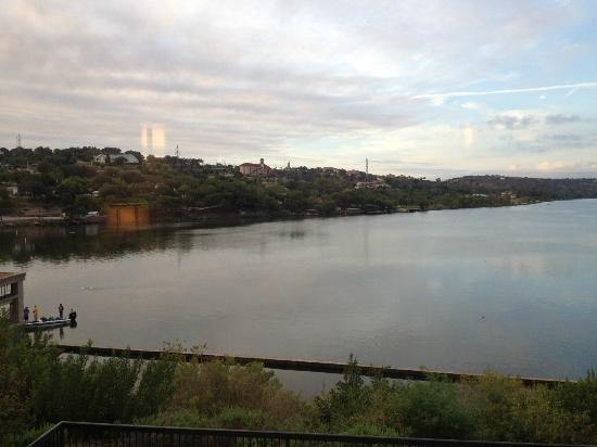 Hampton Inn Marble Falls-On The Lake: View of Marble Falls-On the Lake from our room at the Hampton Inn