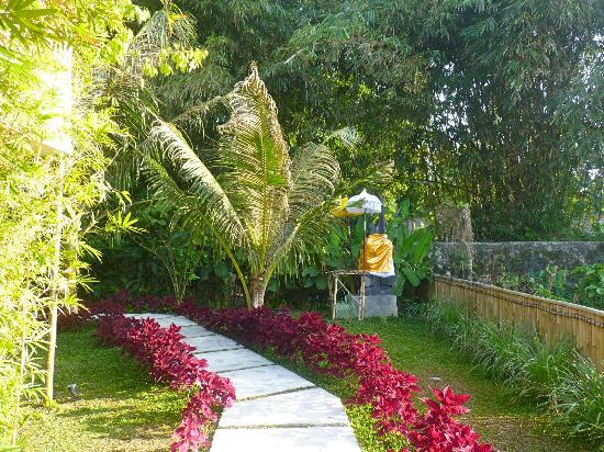 Kenanga Boutique Hotel: lovely garden