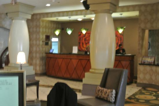Radisson Hotel Largo: was greeted so nicely. check in was a breeze.