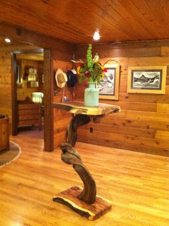 Good Medicine Lodge: Reception Area