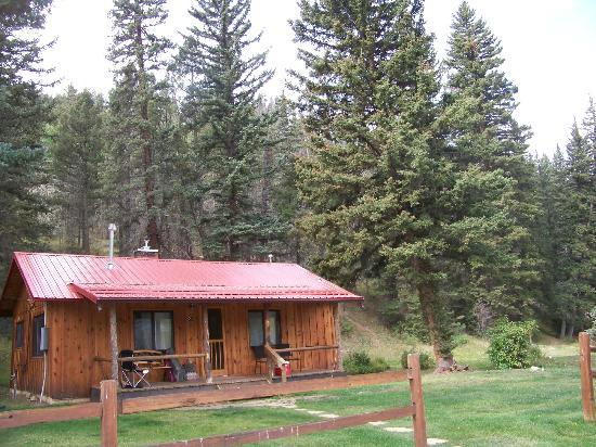 Rio Colorado Lodge: Outside our cabin