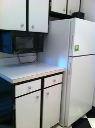 Avenue Suites Georgetown: another view of kitchen room 904