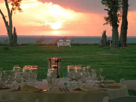 Black Walnut Point Inn: Sunset on Our Wedding Day