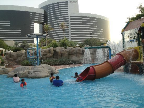 Grand Hyatt Dubai: Pool & Hotel